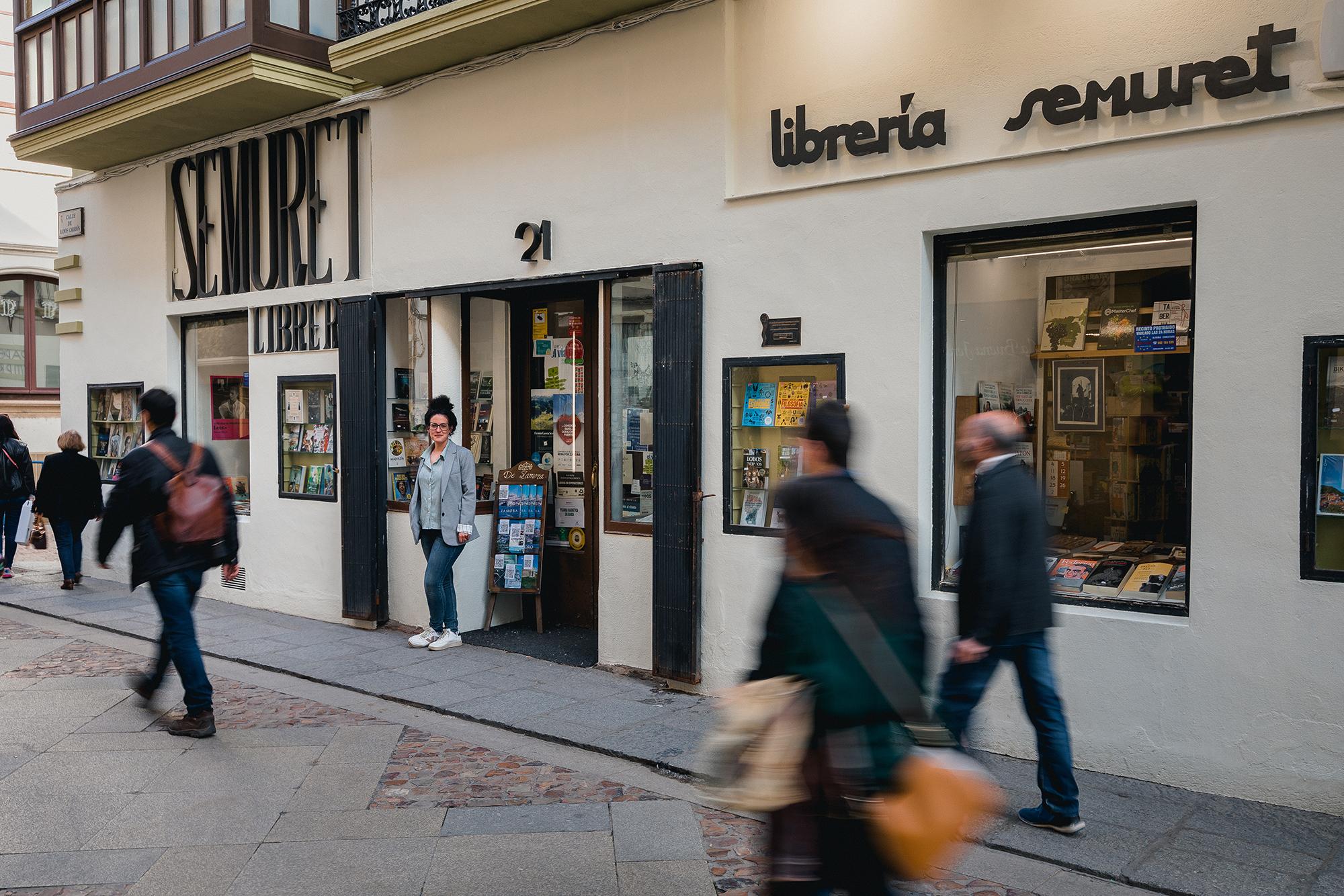 Librería Semuret Zamora Fotografía exterior fachada